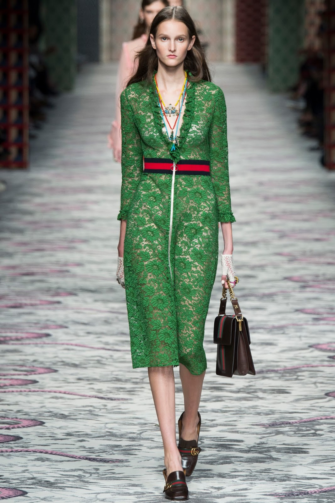 Pantone colour report & spring summer 2016 fashion trends / green flash at Gucci Spring/Summer 2016 via www.fashionedbylove.co.uk British fashion & style blog