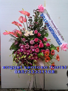 standing flower pernikahan happy wedding