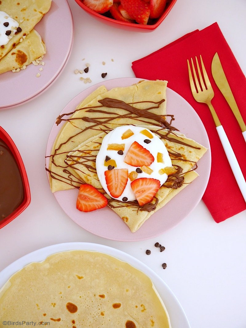 Recette Pâte à Crêpes - faciles à préparer et délicieuses, ces crêpes sont parfaites pour les desserts ou les collations de la Chandeleur! by BirdsParty.com @birdsparty #crepes #recette #patecrepes #chandeleur #saintvalentin #recettecrepes