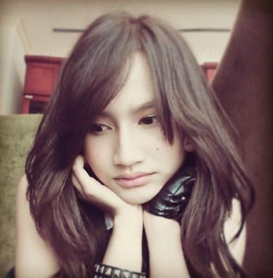 Cerita Sex Ngentot Memek Frieska JKT48 Yang Cantik