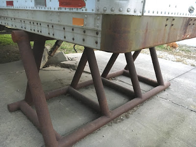 Shelf support trailer