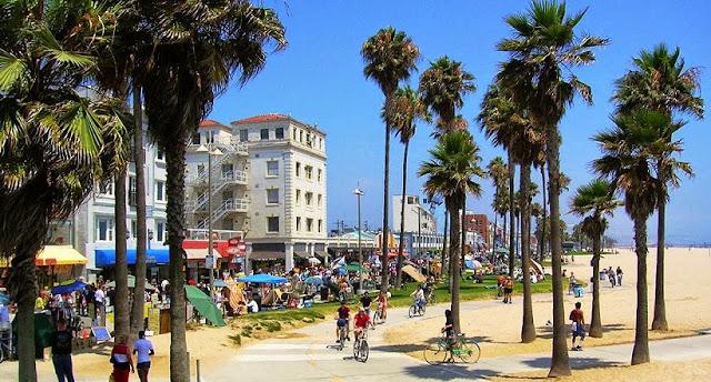 Movimentação de turistas e hospedagem