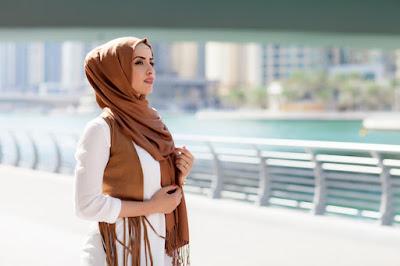 abaya worn by a Muslim woman