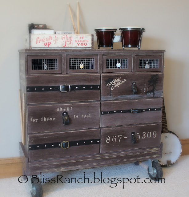 Curbside Find is now ROCK'N dresser, Bliss-Ranch.com