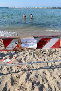 divieto balneazione Bari La scorribanda legale
