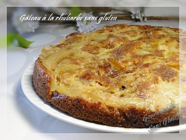 Gâteau à la rhubarbe, sans gluten, farine de teff et sarrasin
