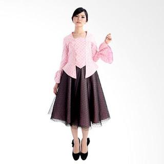 10 Style Gaya Kondangan Simple Untuk Pria dan Wanita
