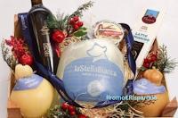 Logo Vinci gratis cesti di Natale Caseificio Stella Bianca e t-shirt Food Makers