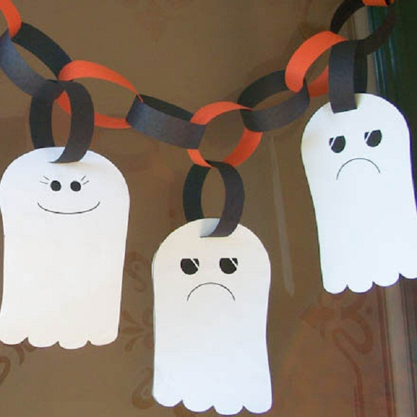 16 DIY Halloween funny ghost craft for kids to make. DIY ghost garland craft ideas for Halloween. Halloween cute ghost craft ideas for kids. Easy to make DIY Halloween funny happy and sad ghost garland craft 2018. Halloween paper craft ghost for outdoor decoration. Preschool paper ghost craft ideas for kids. Spooky ghost craft decoration for home. Front door spooky ghost decoration ideas. Paper craft for indoor decoration. Scary Halloween craft decoration.