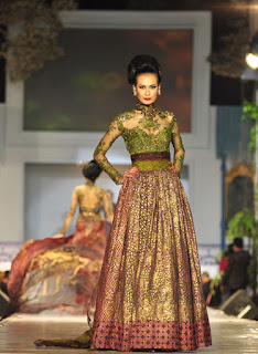kebaya-anne-avantie-collections