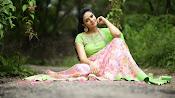 sreemukhi new glam pics-thumbnail-5