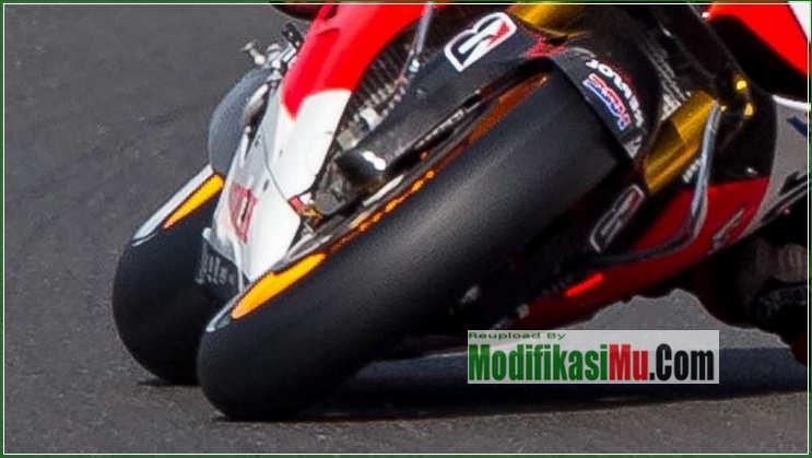 Ban MotoGP Tipe Kering Halus - 5 Tip Cara Memilih Ban Motor Terbaik Untuk Harian Jalan Basah dan Kering