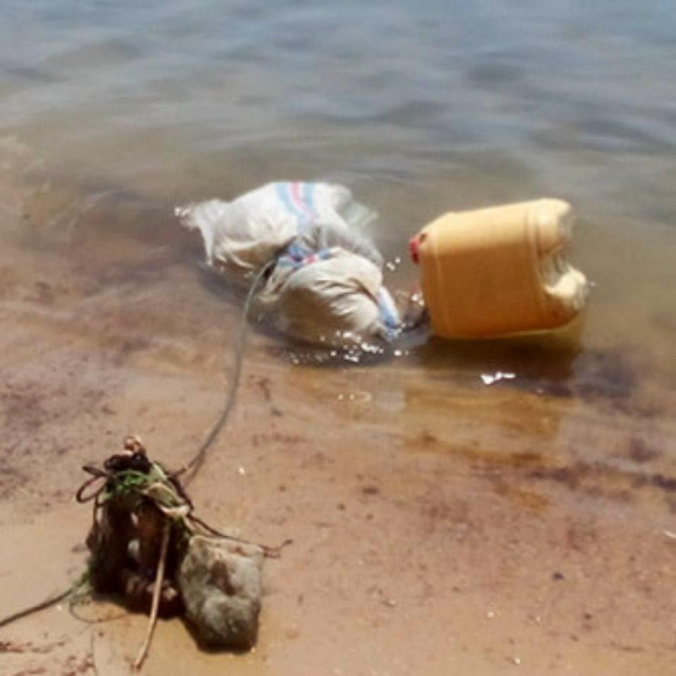 Mayat Dalam Karung: Mayat Di Temukan Di Laut Galang Jembatan 5