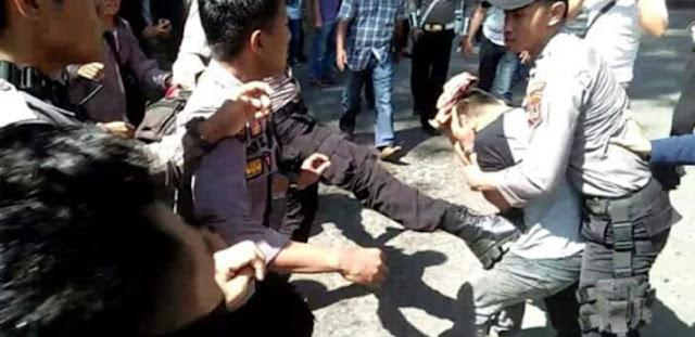 Jokowi Datang, Polisi Bubarkan Paksa Demo Pemekaran Luwu Tengah