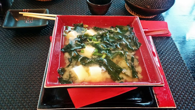 Zupa miso z wakame i tofu Matii Sushi
