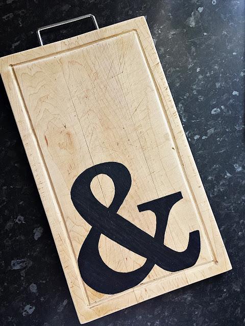 Drewniana deska do krojenia z literą Q