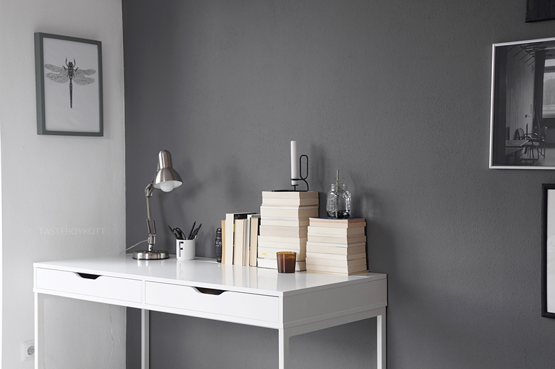 modern desk decoration in black, white, grey, tan, brown with books, candles, lamp, art | scandinavian workspace, ikea desk | tasteboykott