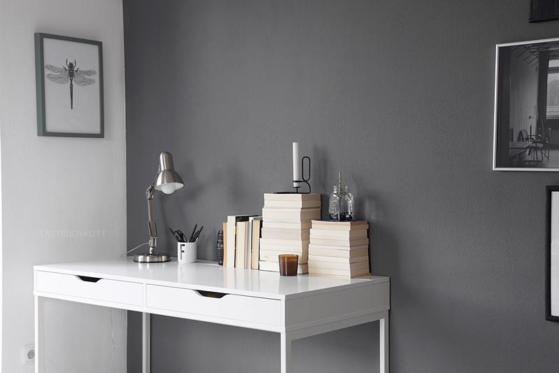 modern desk decoration in black, white, grey, tan, brown with books, candles, lamp, art | scandinavian workspace, ikea desk | tasteboykott