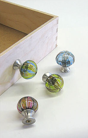 Home Decorating Hardware: Glass drawer pulls by Tracy