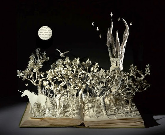 09-The-Last-Unicorn-Su-Blackwell-Book-Fairy-Tale-Sculptures-www-designstack-co
