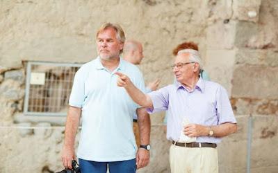 Ο Ρώσος που χρηματοδοτεί στη Σαντορίνη τη σημαντικότερη αρχαιολογική ανασκαφή στην Ελλάδα