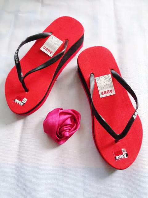 Harga Sandal Wedges Wanita Langsung Dari Pabrik   082317553851