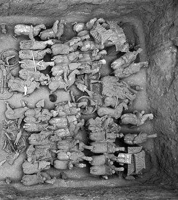 Des centaines de minuscules guerriers en terre cuite retrouvés sur un site chinois vieux de 2100 ans