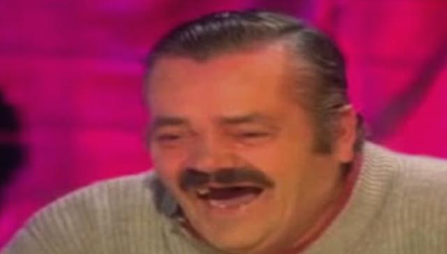 أخيرا الترجمة الحقيقية لحديث الرجل الاسباني الشهير! ماذا قال و ما هو سبب ضحكه!