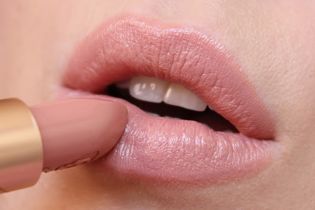 MAC x Mariah Carey MCizzle Lipstick Swatch