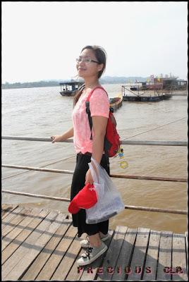 Ke Pasar Dalam Hutan LAOS melalui Sungai MEKONG
