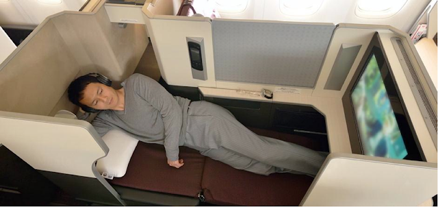 JAL SKY SUITE seat width in the fully-reclined bed position