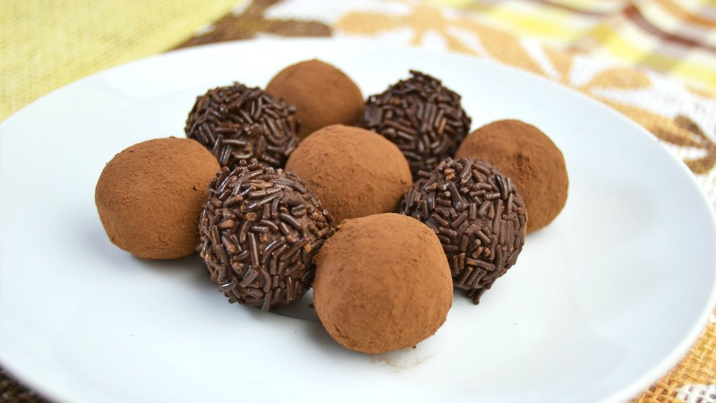 Chocolate no bake truffles
