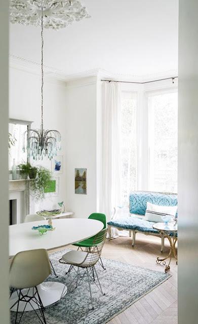 décoration salle à manger design blanc et vert