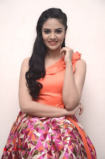 Anchor Sreemukhi Pictures at Thank You Mithrama Short Film Screening  0020