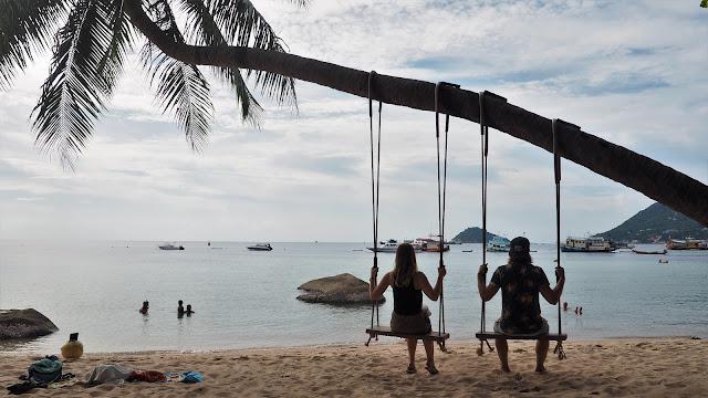 Schaukel am Strand auf Koh Tao