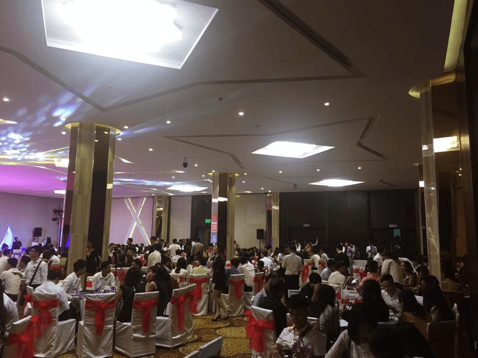 Hàng trăm khách hàng tham dự sự kiện ra mắt La Luna Nha Trang