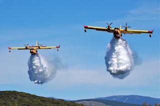 Pembom Air CL-515