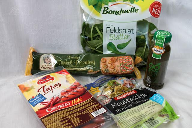 Brandnooz Cool Box Dezember 2016 - Herzhafter Inhalt: Bonduelle Feldsalat, Tante Fanny Dinkel-Pizzateig, Bürger Maultaschen, Valensina Frucht & Gemüse, Campofrio Chorizo Griller Hot