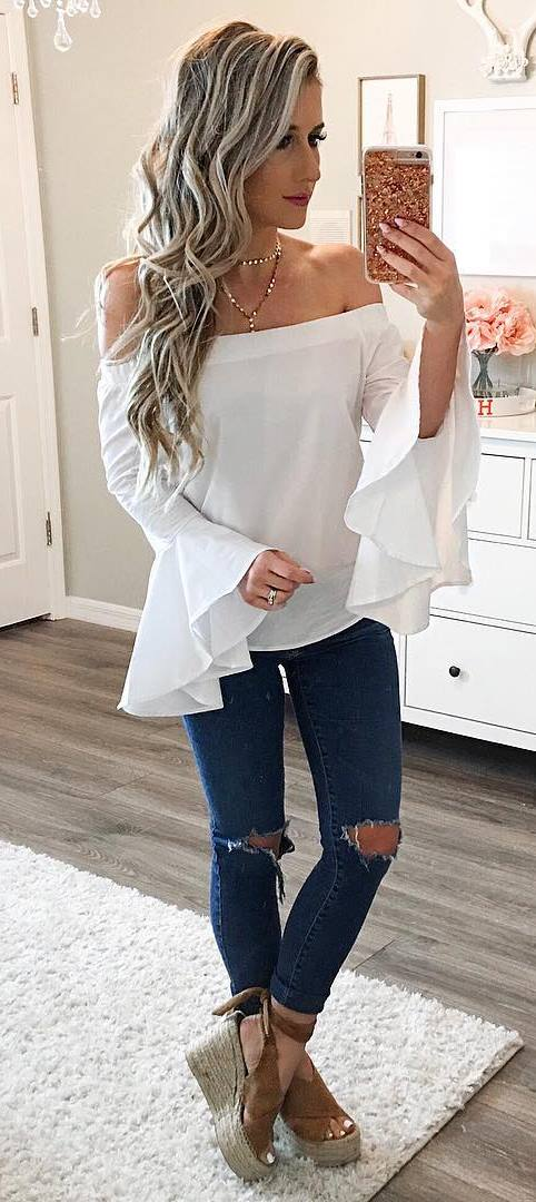 perfect outfit: white top + rips