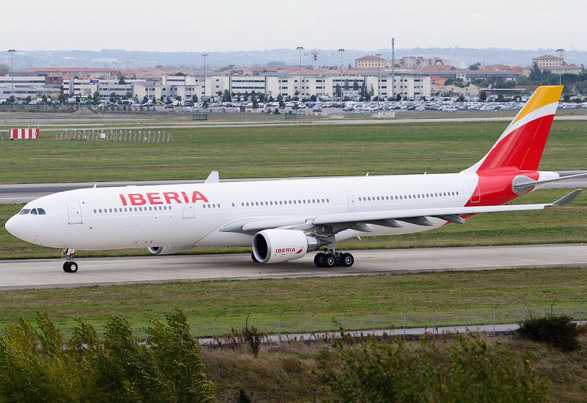 Iberia prepara vuelos de larga distancia desde Barcelona