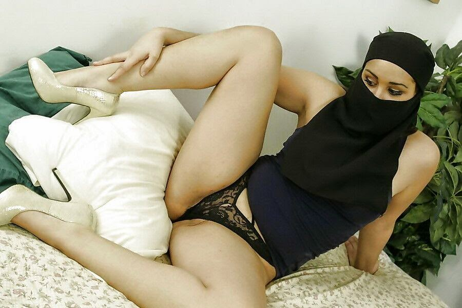 sexy hijab girl nude sex pic from arab country muslim girl