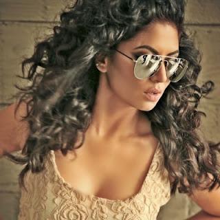 Kavita Kaushik hot, husband, marriage, bikini, hot pics, age, son, child, height, boyfriend, facebook, baby, twitter, wiki, biography