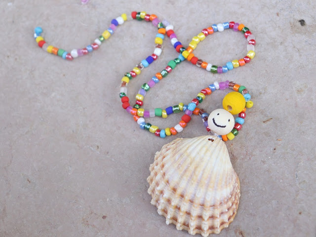 collier-coquillage-maternelle