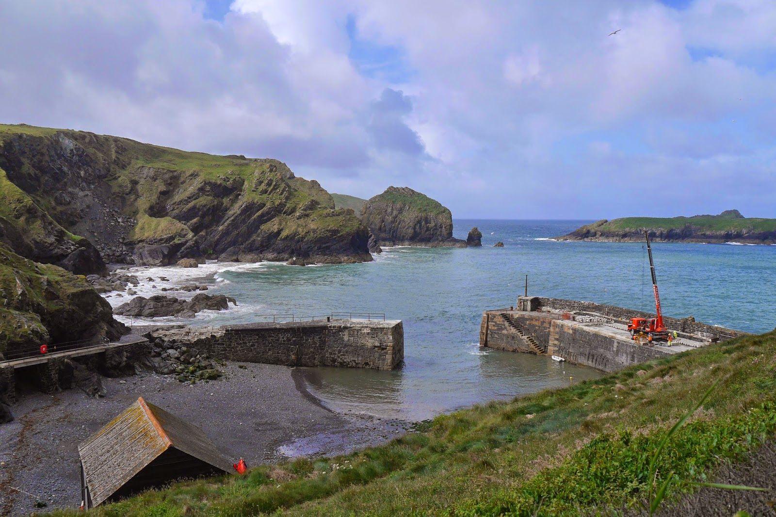 Walking in the country: Mullion Cove to Porthleven (South ...