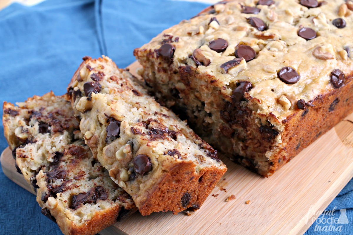 Frugal Foodie Mama: Oatmeal Chocolate Chip Cookie Banana Bread