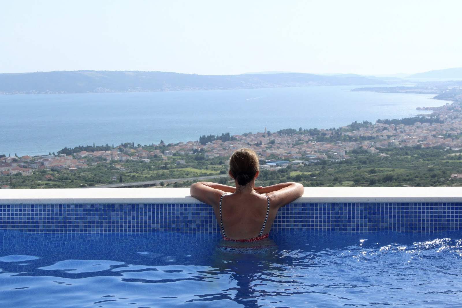 Ausblick vom Pool der Villa Hill View, Kroatien