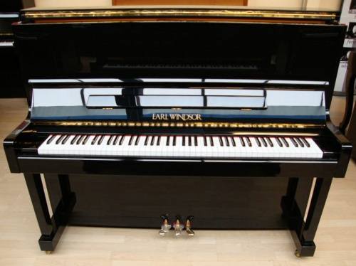 Piano Earl Windsor W113