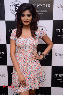 Actress Sanchita Shetty Pictures at Mirrors Salon App Launch Event 0004.JPG