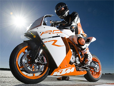 2011 KTM 1190 RC8R  Gambar Motor KTM