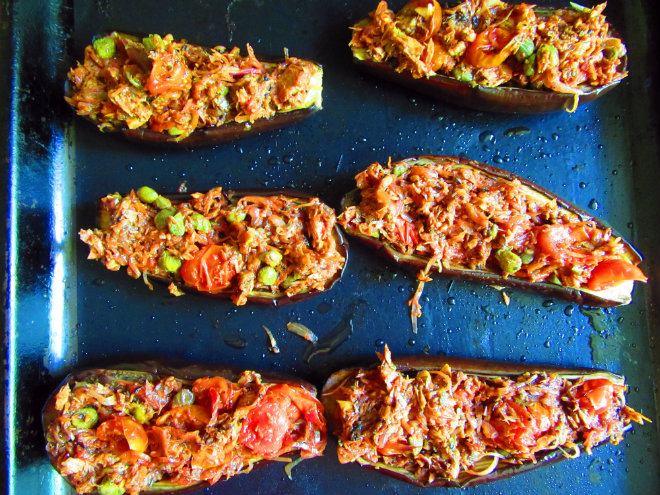 Eggplant boats with tuna and capers by Laka kuharica: Stuff evenly the scooped out eggplant halves with the tuna mixture.